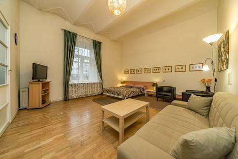 Сдается 1-комнатная квартира посуточно в Санкт-Петербурге, ул. Большая Конюшенная, 2.