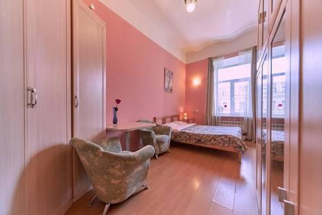 Сдается 1-комнатная квартира посуточно, ул. Большая Конюшенная, 2.