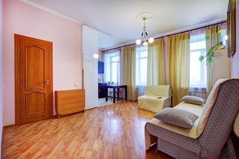 Сдается 2-комнатная квартира посуточно в Санкт-Петербурге, ул. Верейская, 54.