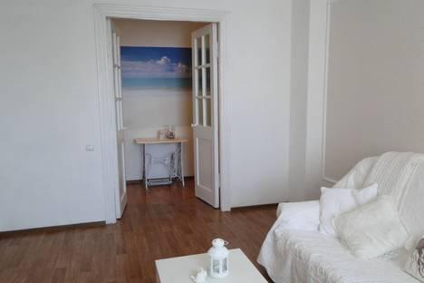 Сдается 1-комнатная квартира посуточно в Омске, ул. Богдана Хмельницкого, 216.
