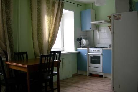 Сдается 1-комнатная квартира посуточнов Екатеринбурге, ул. Попова,10.