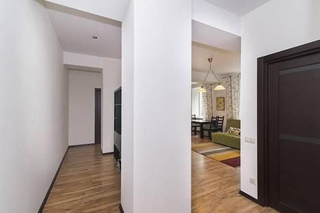 Сдается 2-комнатная квартира посуточнов Екатеринбурге, Луначарского,130.