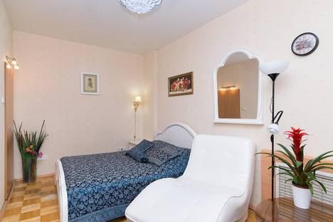 Сдается 2-комнатная квартира посуточнов Екатеринбурге, Луначарского, 133.