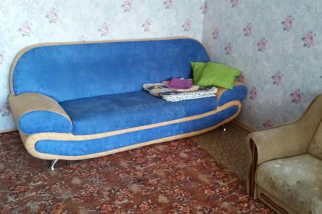 Сдается 4-комнатная квартира посуточно в Кривом Роге, Петроградская 52.