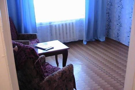 Сдается 1-комнатная квартира посуточнов Сатке, Микрорайон Западный, ул. Свободы, 8.
