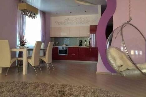 Сдается 1-комнатная квартира посуточнов Екатеринбурге, ул. Академика Шварца, 12/1.