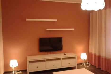 Сдается 1-комнатная квартира посуточнов Екатеринбурге, ул. Сурикова, 32.