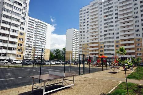 Сдается 1-комнатная квартира посуточнов Крымске, Анапское шоссе, 41е.