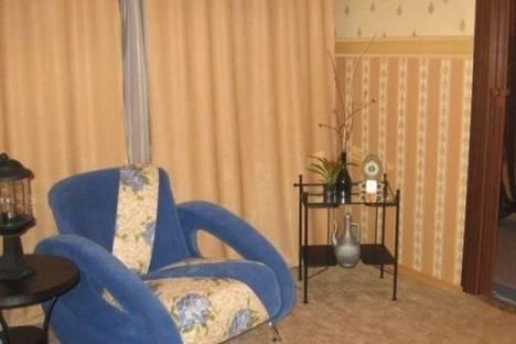 Сдается 2-комнатная квартира посуточно в Кировске, 50 лет Октября улица, д. 29.