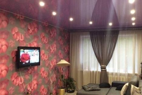 Сдается 5-комнатная квартира посуточно в Кировске, 50 лет Октября улица, д. 33.