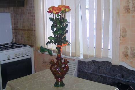 Сдается 2-комнатная квартира посуточнов Новокуйбышевске, Строительная ул., 14.