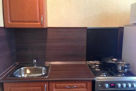 Сдается 2-комнатная квартира посуточно в Мурманске, ул. Коминтерна, 20.