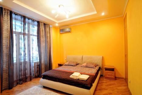 Сдается 2-комнатная квартира посуточно в Киеве, Владимирская 37.