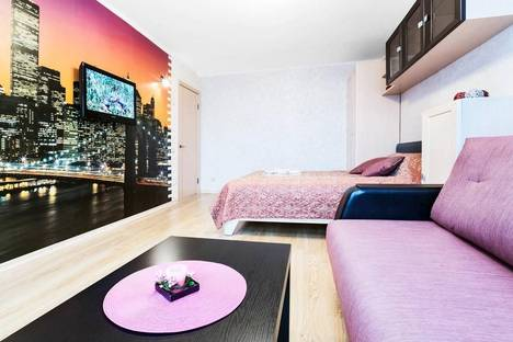 Сдается 1-комнатная квартира посуточнов Оренбурге, САЛМЫШСКАЯ 36.