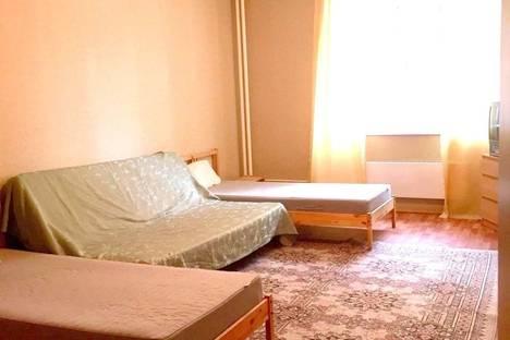 Сдается 1-комнатная квартира посуточно в Троицке, ул. Нагорная, 8.