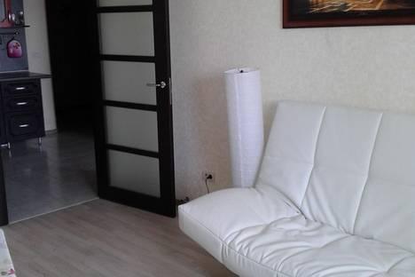 Сдается 2-комнатная квартира посуточнов Кирове, Октябрьский проспект, 157.