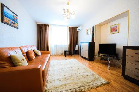 Сдается 2-комнатная квартира посуточнов Уфе, улица Новомостовая 8.