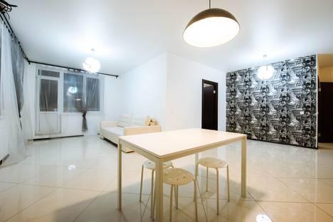Сдается 3-комнатная квартира посуточнов Уфе, ул. Менделеева, 145.