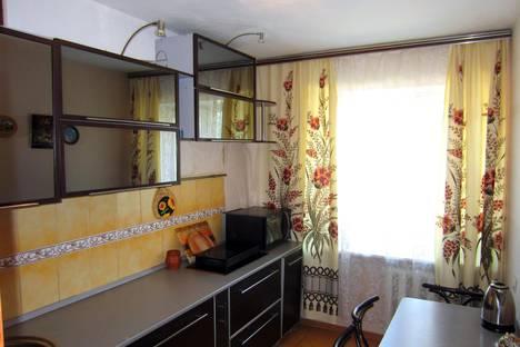 Сдается 3-комнатная квартира посуточно в Благовещенске, Зейская 143.