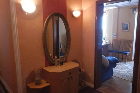 Сдается 2-комнатная квартира посуточнов Щелкином, микрорайон 2 д.60/1А , кв. 8.