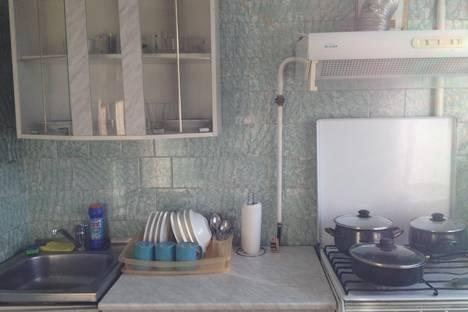 Сдается 2-комнатная квартира посуточно в Кургане, ул. Пролетарская, 26.