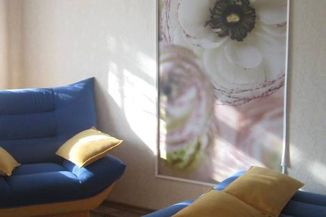 Сдается 1-комнатная квартира посуточно в Волжском, ул. Комсомольская, 9.