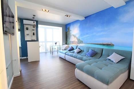 Сдается 2-комнатная квартира посуточно в Феодосии, улица Земская 18.