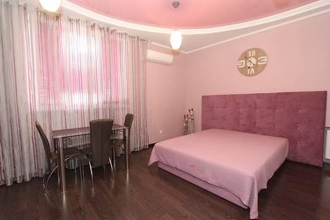 Сдается 1-комнатная квартира посуточнов Орджоникидзе, улица Революционная 16.