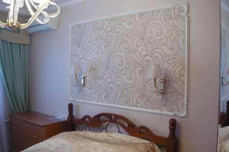 Сдается 2-комнатная квартира посуточнов Омске, ул. Декабристов, 104.