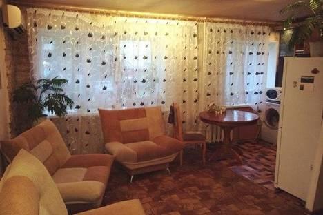 Сдается 1-комнатная квартира посуточнов Нефтекамске, Нефтяников 19 А.