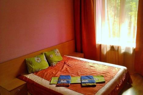 Сдается 2-комнатная квартира посуточно в Череповце, Металлургов, 13а.