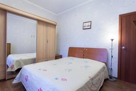 Сдается 3-комнатная квартира посуточно в Челябинске, ул. Работниц, 72.