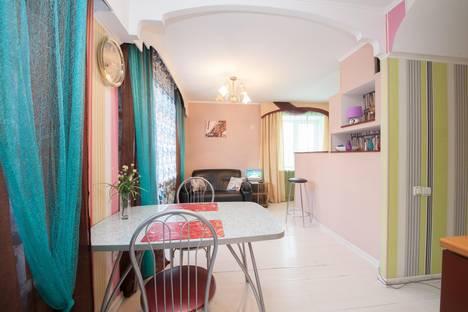 Сдается 1-комнатная квартира посуточно в Красноярске, ул. Карла Маркса, 90 (Завтрак в подарок).