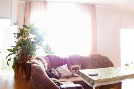 Сдается 4-комнатная квартира посуточно в Ялте, Войкова 8.