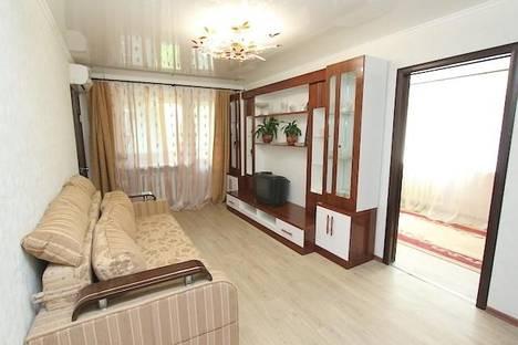 Сдается 2-комнатная квартира посуточно в Феодосии, улица Федько 34.