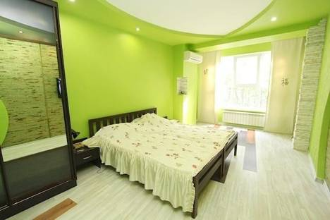 Сдается 3-комнатная квартира посуточнов Орджоникидзе, улица Листовничей 5.