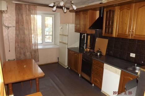 Сдается 3-комнатная квартира посуточно в Хабаровске, переулок Батарейный, 6.