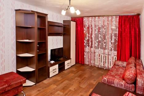 Сдается 2-комнатная квартира посуточно в Тобольске, 8 МИКРОРАЙОН, ДОМ 23.