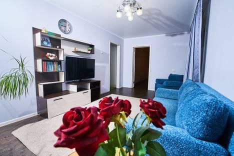 Сдается 3-комнатная квартира посуточно в Тобольске, 7 МИКРОРАЙОН, ДОМ 19.