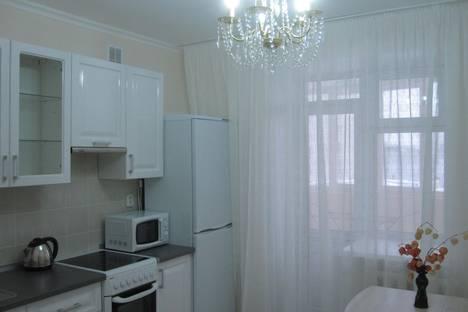 Сдается 1-комнатная квартира посуточнов Чебоксарах, ул. Цивильская, 7.
