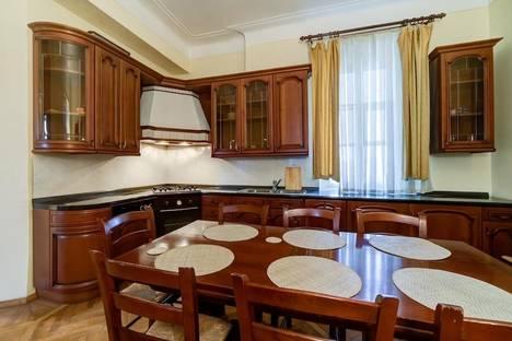 Сдается комната посуточнов Санкт-Петербурге, Невский проспект, 180.