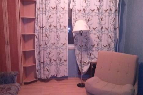 Сдается 2-комнатная квартира посуточнов Санкт-Петербурге, ул. Маршала Казакова, 28.