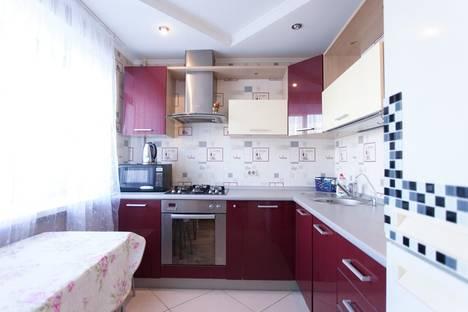 Сдается 3-комнатная квартира посуточно в Челябинске, проспект Ленина 21.