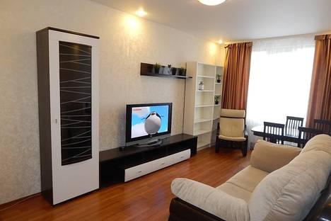 Сдается 3-комнатная квартира посуточно в Новосибирске, ул. Семьи Шамшиных, ,12.
