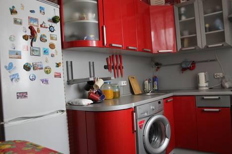 Сдается 1-комнатная квартира посуточно в Боровичах, Ленинградская,91.
