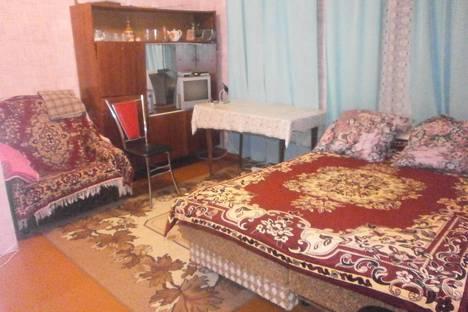 Сдается 1-комнатная квартира посуточно в Вольске, ул. Пугачева, 26.