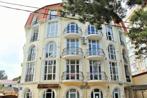 Сдается 2-комнатная квартира посуточно в Геленджике, Колхозная 9.