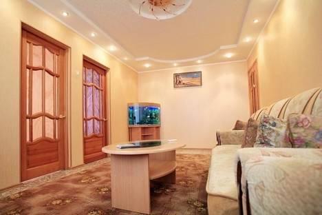 Сдается 3-комнатная квартира посуточно в Йошкар-Оле, ул. Матросова, 38.