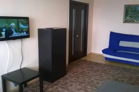 Сдается 1-комнатная квартира посуточнов Октябрьском, ул. Островского, 44.