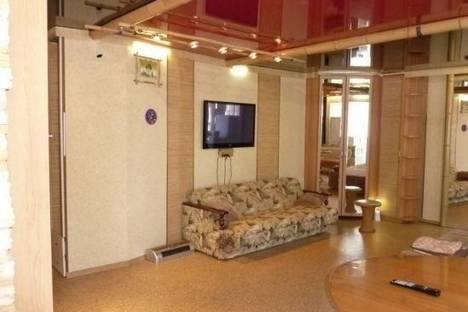 Сдается 1-комнатная квартира посуточно в Петропавловске-Камчатском, Петропавловск-Камчатский, 50 лет Октября проспект, д. 22.